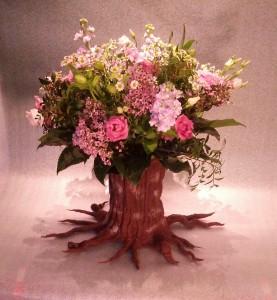 boomvaas met bloemen